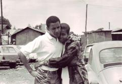 barack-obama-michelle-obama-love-story-romance-photos-02-1472200818