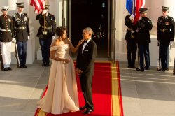 barack-obama-michelle-obama-love-story-romance-photos-30