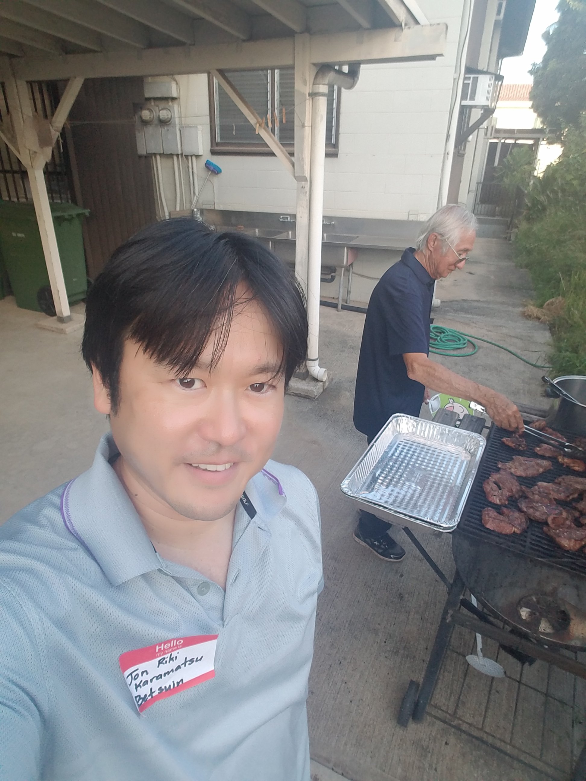 Barbecuing with Kenneth Matsusugu at Hawaii Council of Jodo Mission 42nd Biennial Convention